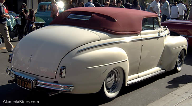 1941 Ford convertible Super DeLuxe